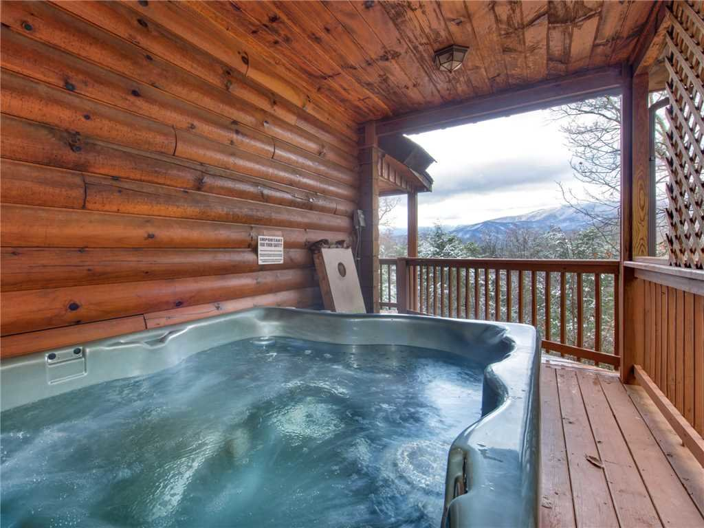 Photo of a Gatlinburg Cabin named Dew South - This is the second photo in the set.