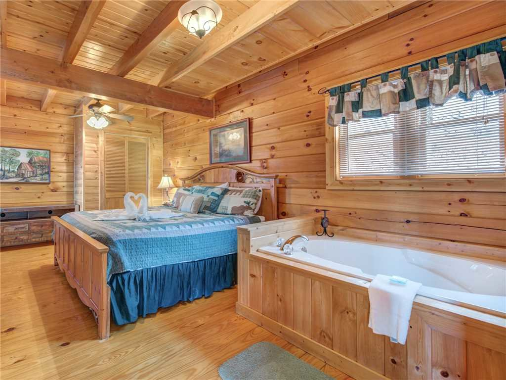 Photo of a Gatlinburg Cabin named Dew South - This is the tenth photo in the set.