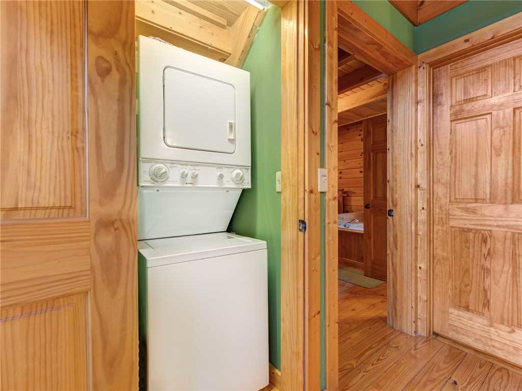 Photo of a Gatlinburg Cabin named Dew South - This is the eighteenth photo in the set.