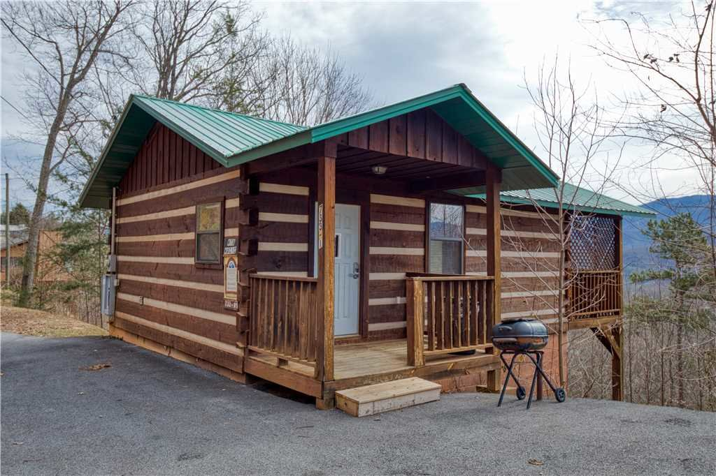 Photo of a Gatlinburg Cabin named Kear's Mountain Magic - This is the fifteenth photo in the set.