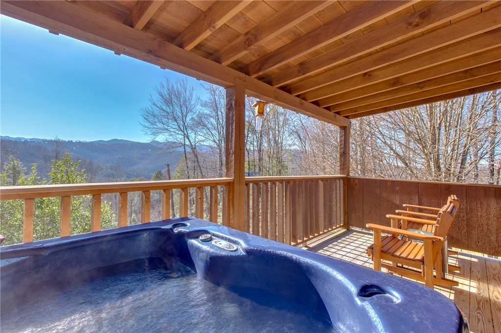 Photo of a Gatlinburg Cabin named Silver Moon - This is the second photo in the set.