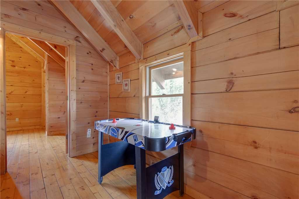 Photo of a Sevierville Cabin named Spring View - This is the eleventh photo in the set.