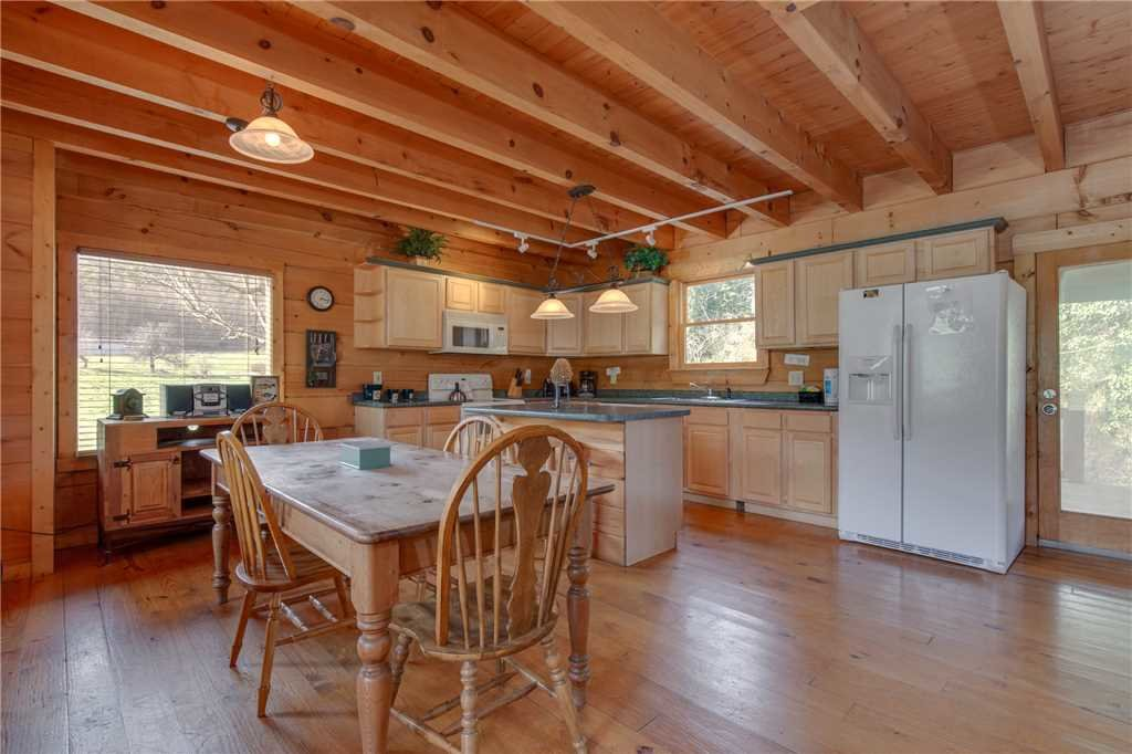 Photo of a Sevierville Cabin named Spring View - This is the seventh photo in the set.
