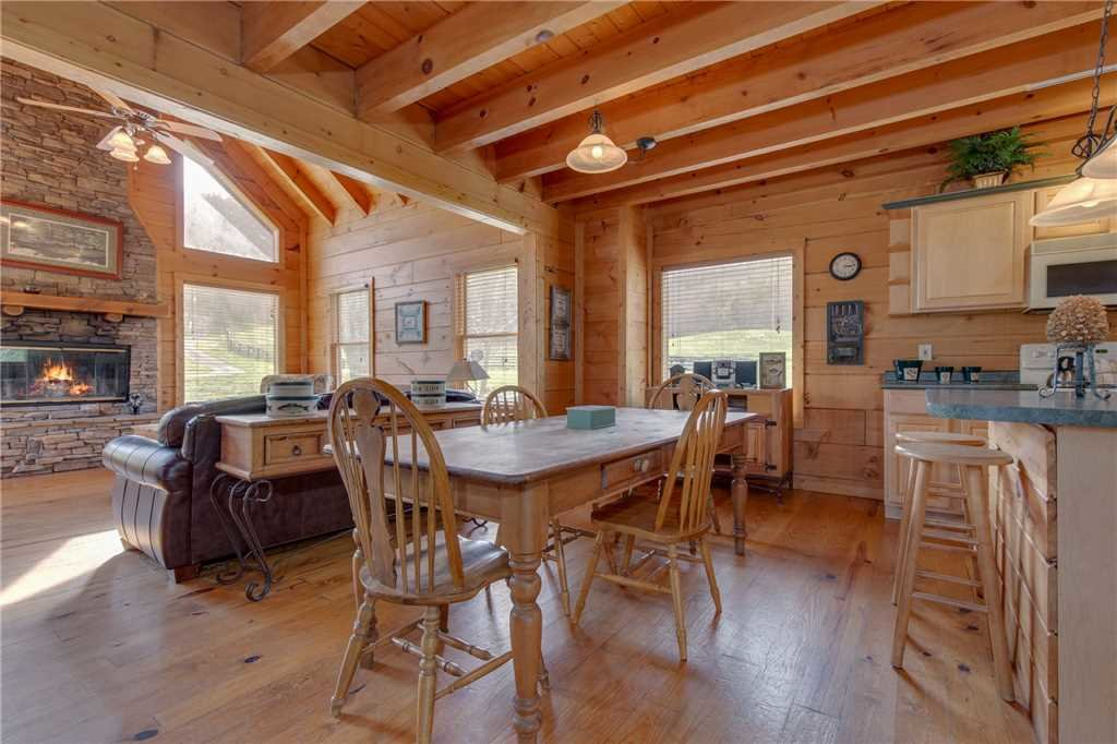 Photo of a Sevierville Cabin named Spring View - This is the sixth photo in the set.