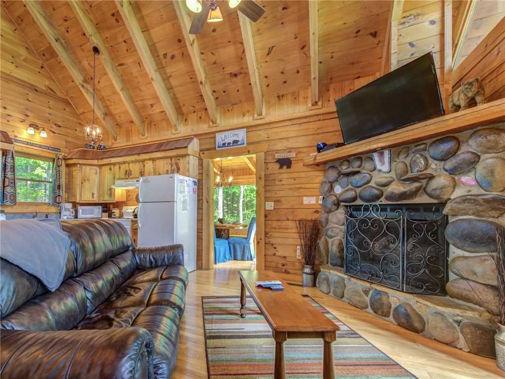 Photo of a Sevierville Cabin named Peaceful Mountain Gem - This is the fourth photo in the set.