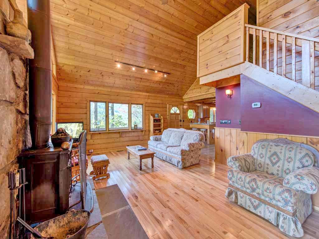 Photo of a Gatlinburg Cabin named Seneca - This is the fourth photo in the set.