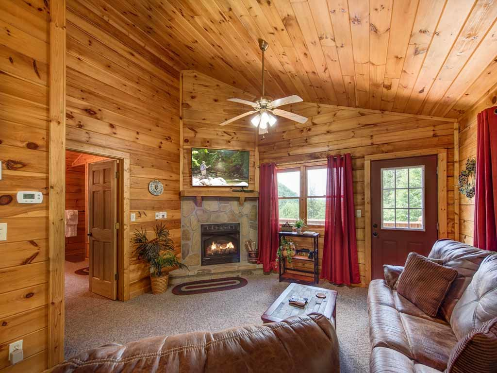 Photo of a Sevierville Cabin named Tender Moments - This is the third photo in the set.