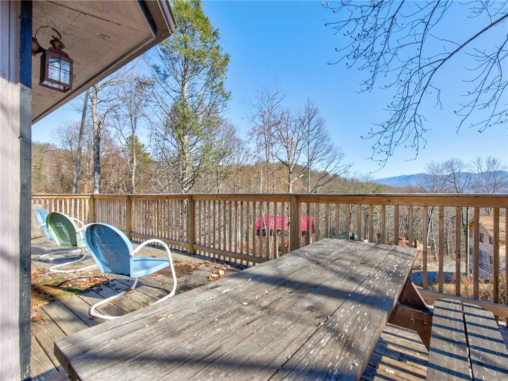 Photo of a Gatlinburg Cabin named Bearadise 2 - This is the seventeenth photo in the set.