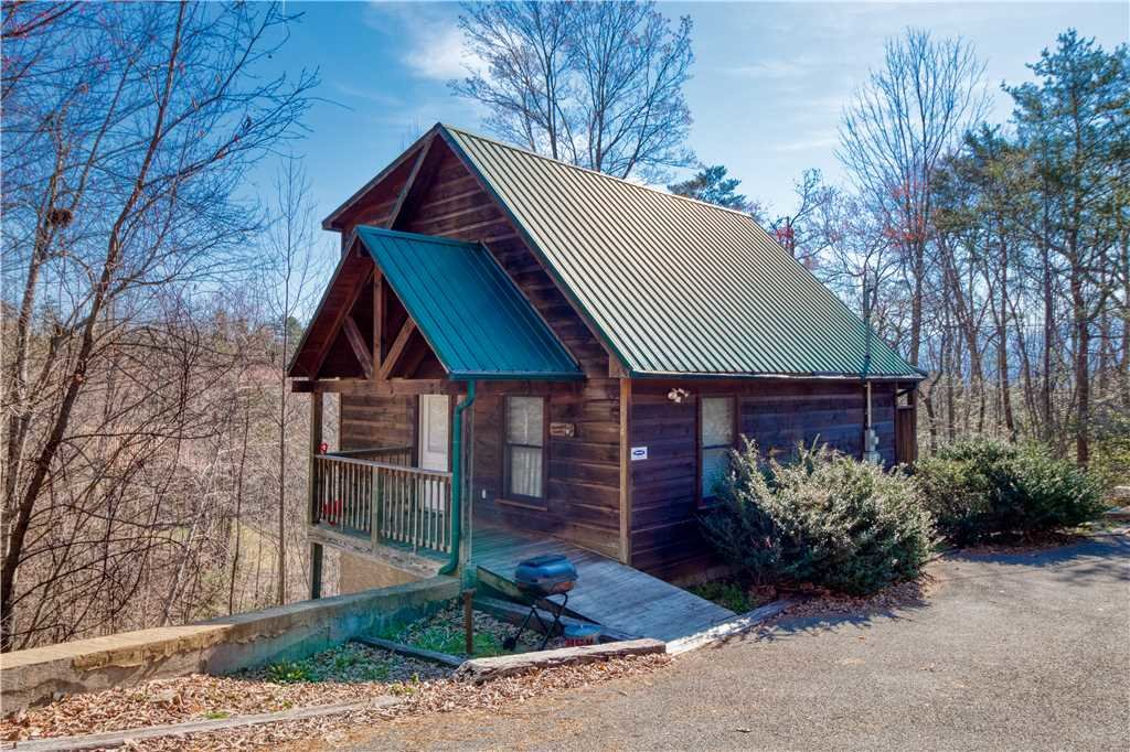Photo of a Gatlinburg Cabin named Hummingbird Hideaway - This is the twentieth photo in the set.