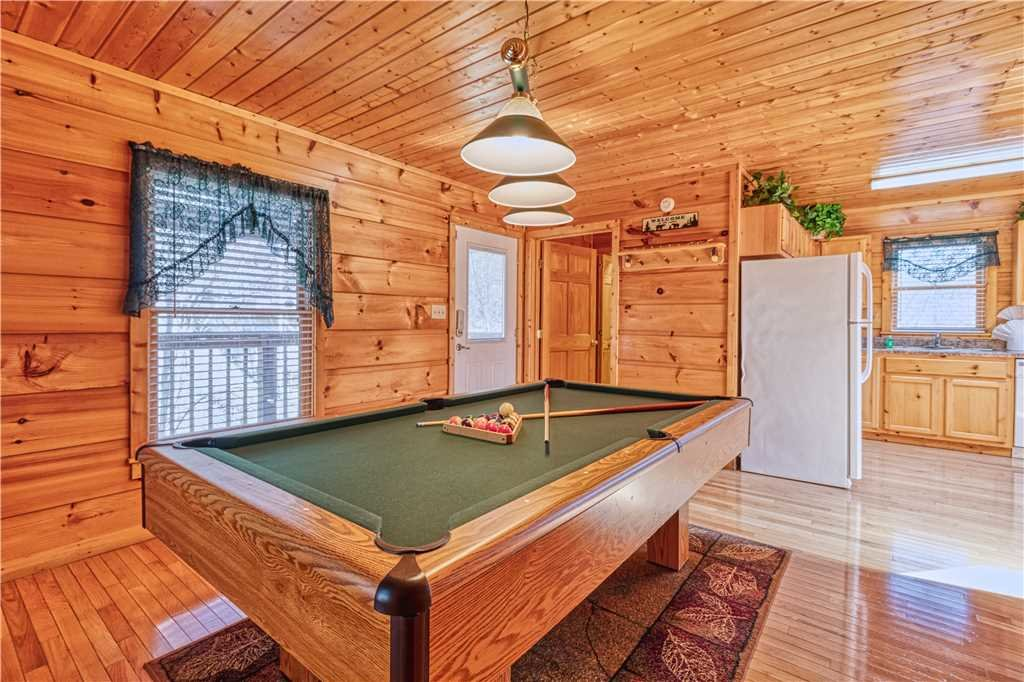 Photo of a Gatlinburg Cabin named Hummingbird Hideaway - This is the eleventh photo in the set.