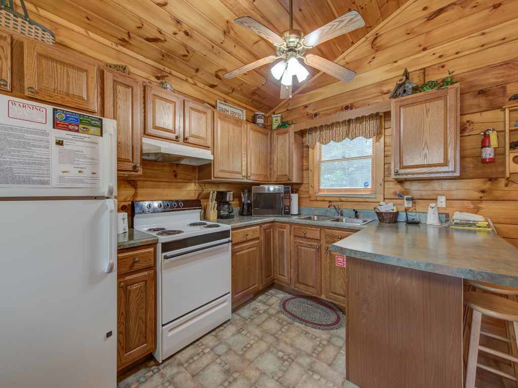 Photo of a Sevierville Cabin named Tender Moments - This is the eighth photo in the set.