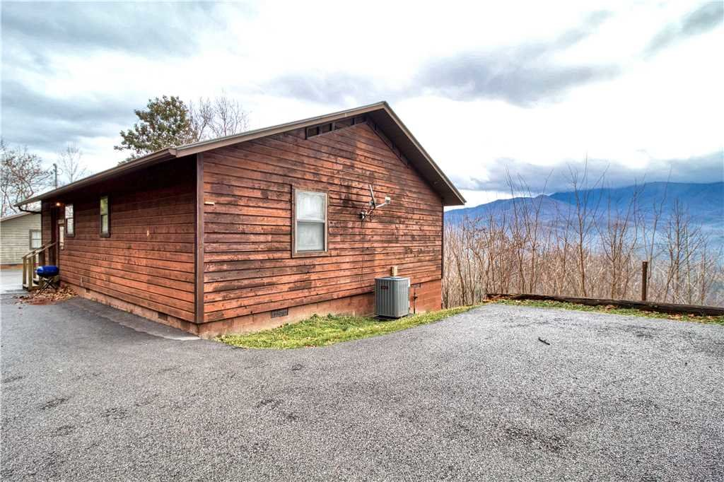 Photo of a Gatlinburg Cabin named Park View 1 - This is the nineteenth photo in the set.