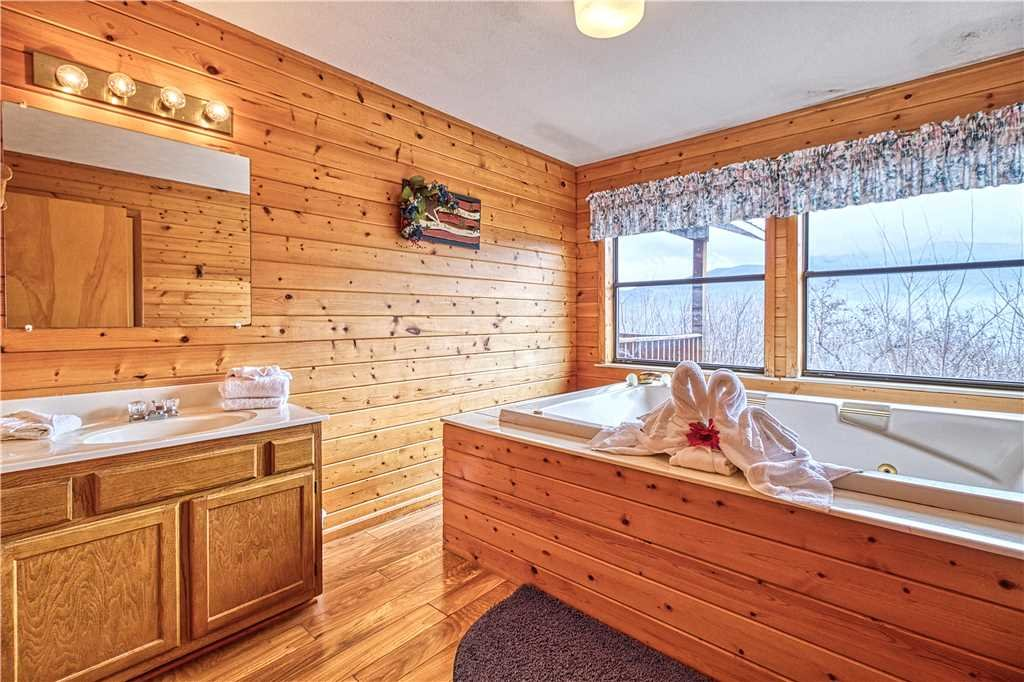 Photo of a Gatlinburg Cabin named Park View 1 - This is the tenth photo in the set.