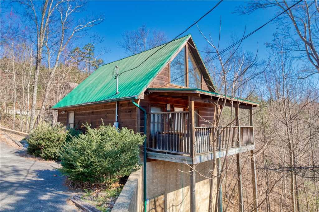 Photo of a Gatlinburg Cabin named Hummingbird Hideaway - This is the twenty-first photo in the set.