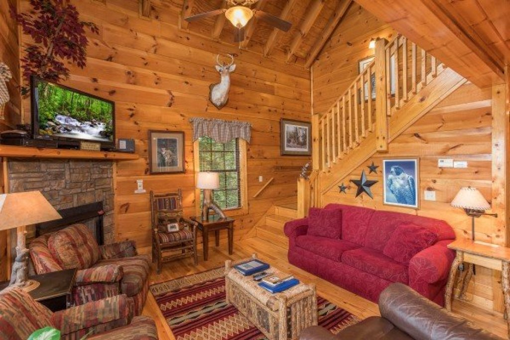 Photo of a Gatlinburg Cabin named Serenity Heights - This is the sixth photo in the set.