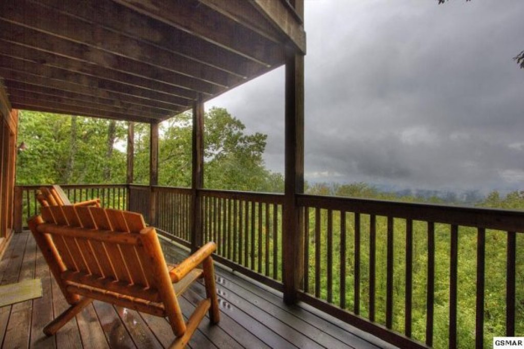 Photo of a Gatlinburg Cabin named Serenity Heights - This is the ninth photo in the set.