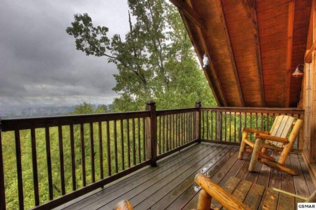 Photo of a Gatlinburg Cabin named Serenity Heights - This is the twentieth photo in the set.
