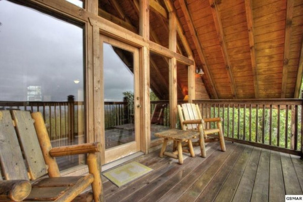 Photo of a Gatlinburg Cabin named Serenity Heights - This is the nineteenth photo in the set.