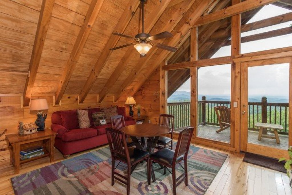 Photo of a Gatlinburg Cabin named Serenity Heights - This is the fifteenth photo in the set.