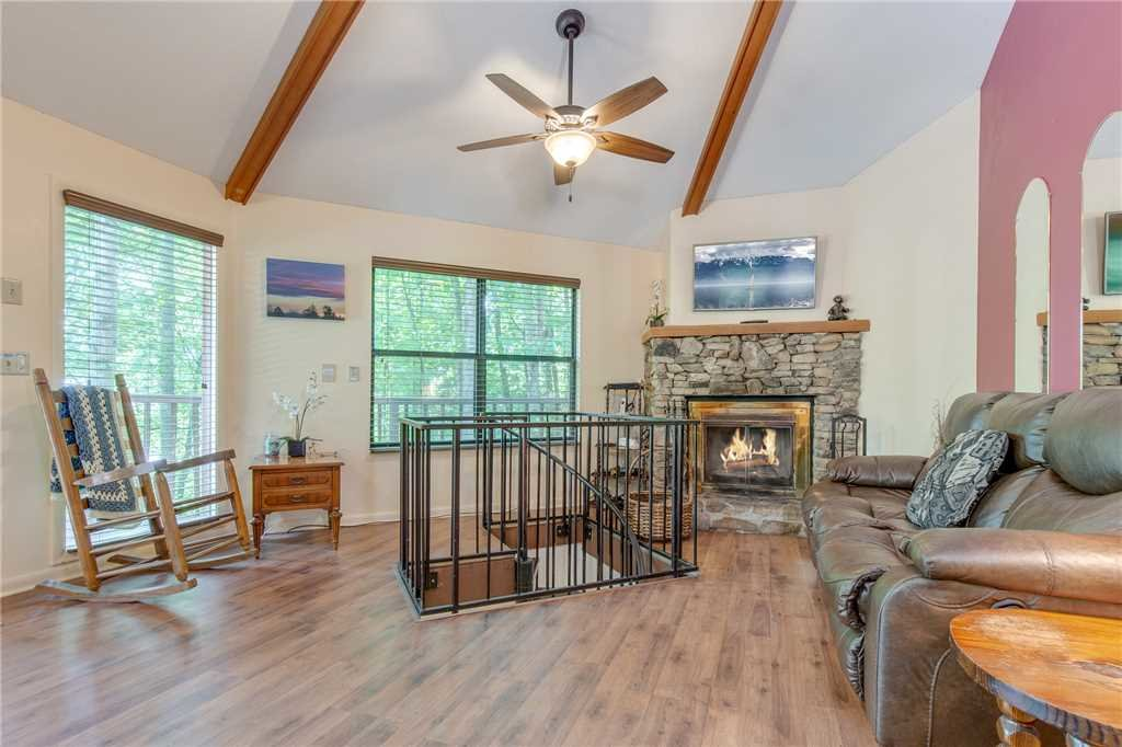 Photo of a Gatlinburg Cabin named Smoky View Chalet - This is the third photo in the set.
