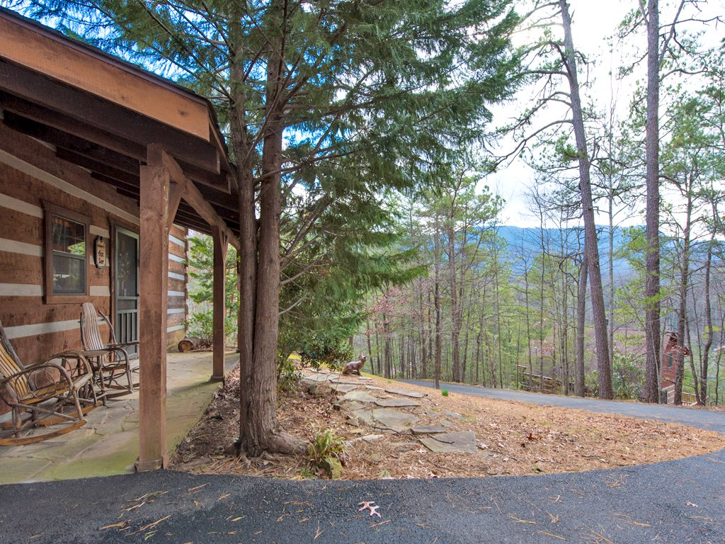 Photo of a Gatlinburg Cabin named Fox Den - This is the twenty-second photo in the set.