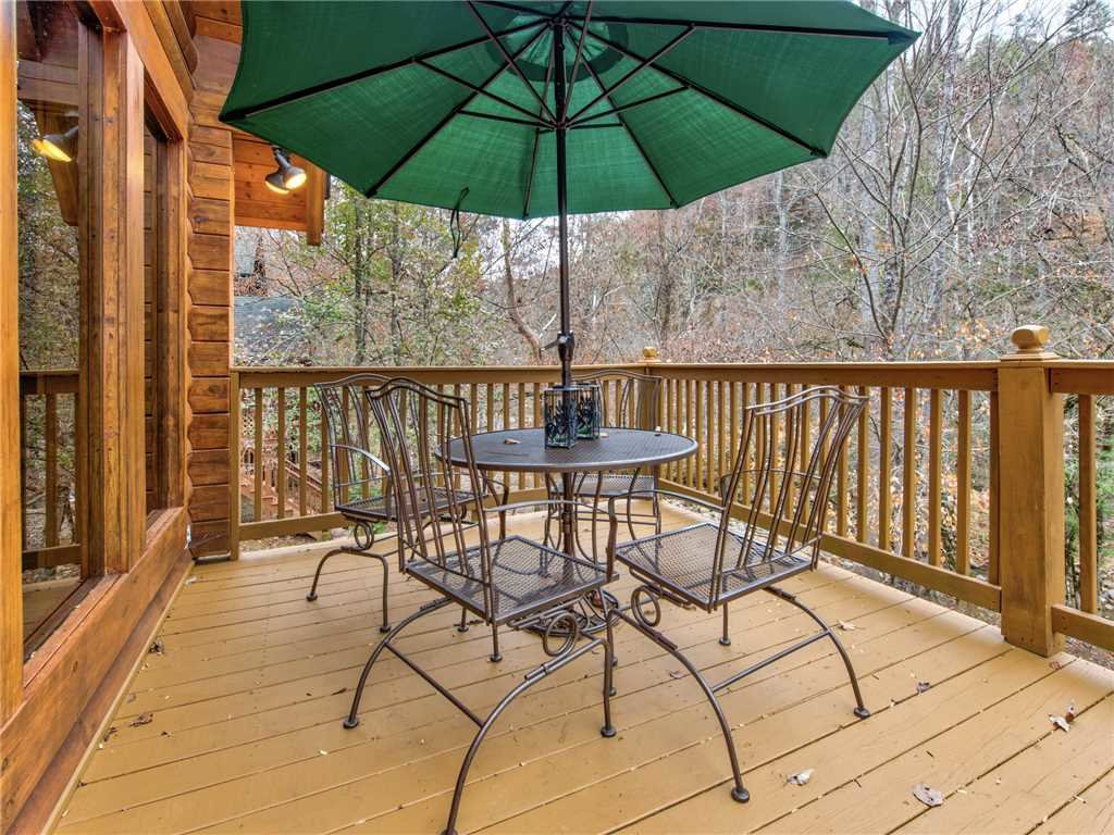 Photo of a Sevierville Cabin named Amazing River Retreat - This is the twenty-fifth photo in the set.