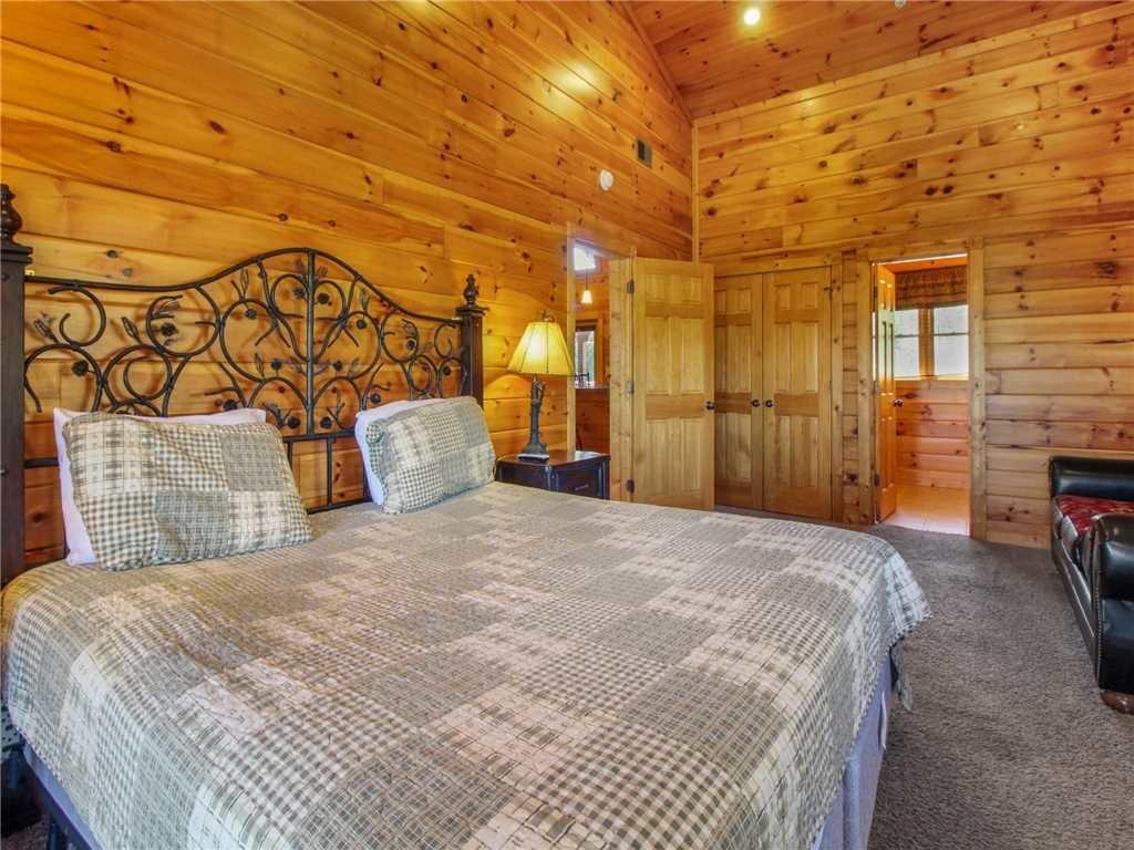 Photo of a Gatlinburg Cabin named Big Sky Lodge Ii - This is the twenty-ninth photo in the set.