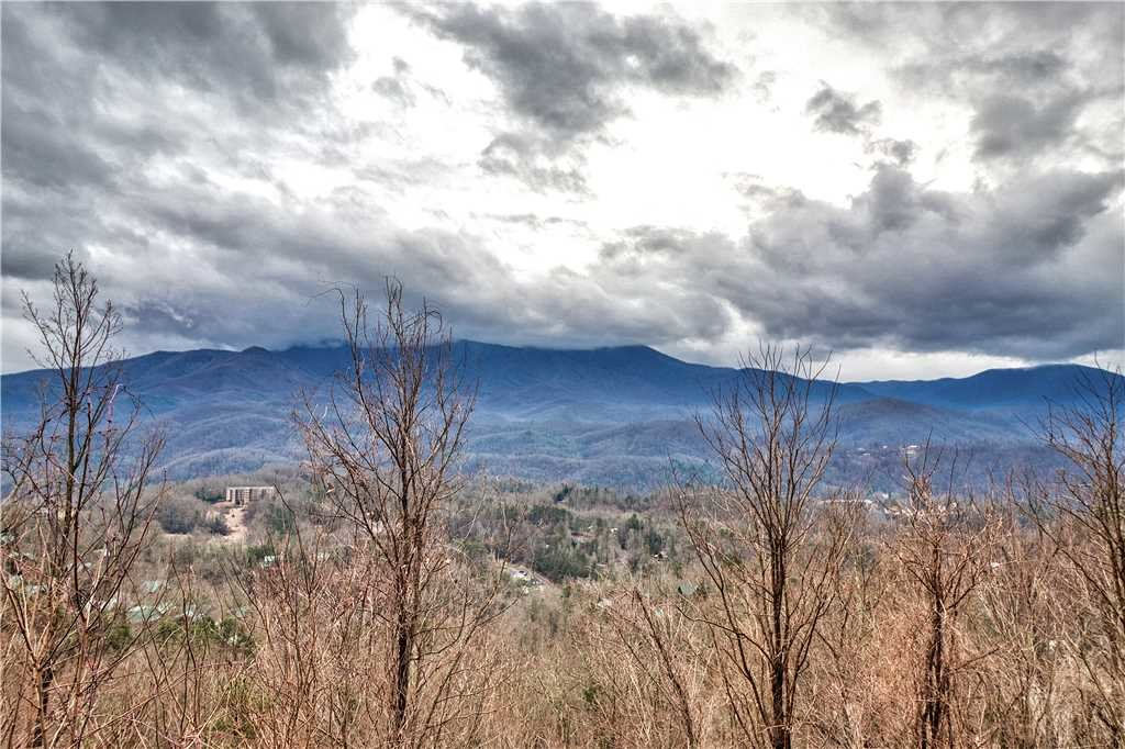 Photo of a Gatlinburg Cabin named Leconte View 1 - This is the third photo in the set.