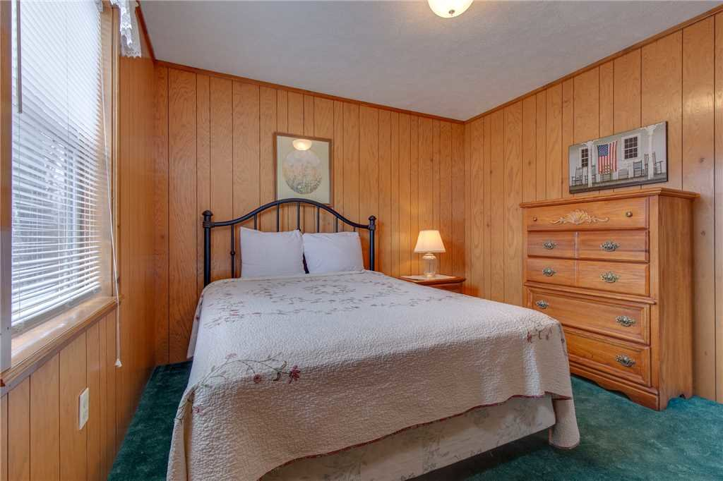 Photo of a Gatlinburg Cabin named Crestview - This is the fourteenth photo in the set.