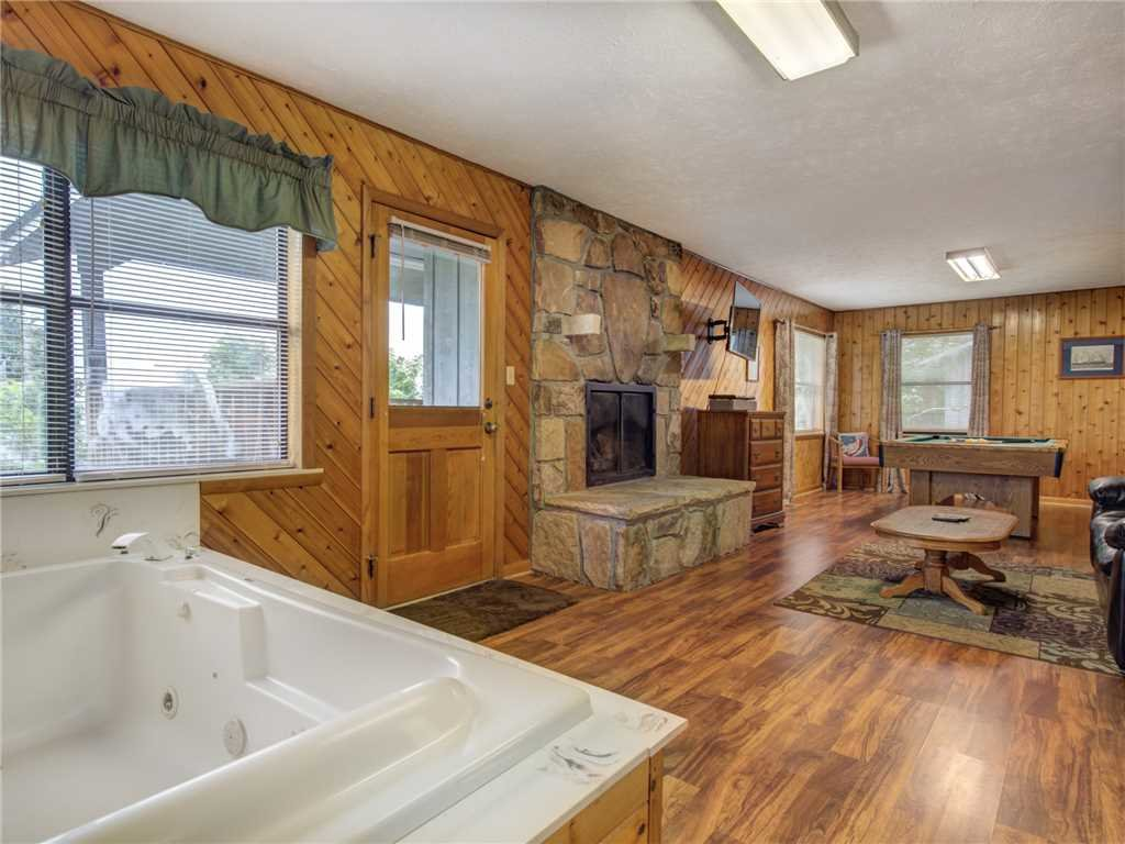 Photo of a Gatlinburg Cabin named Leconte View 1 - This is the sixth photo in the set.