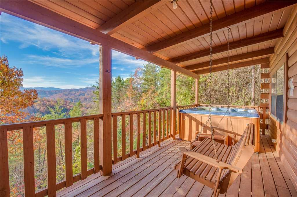 Photo of a Sevierville Cabin named Mountain Top View - This is the first photo in the set.