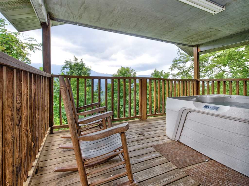 Photo of a Gatlinburg Cabin named Leconte View 1 - This is the twenty-second photo in the set.