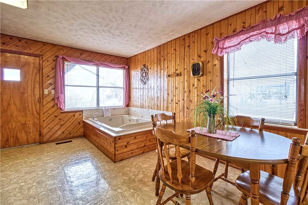 Photo of a Gatlinburg Cabin named Leconte View 2 - This is the seventh photo in the set.