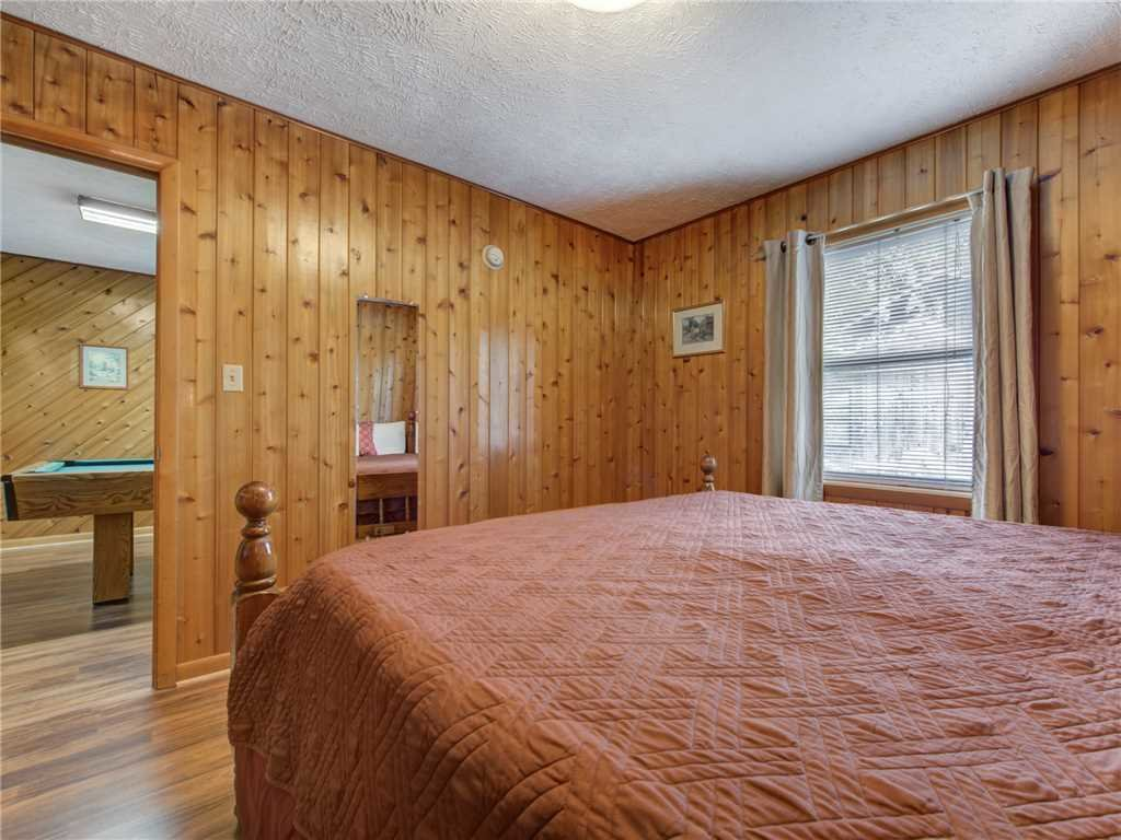 Photo of a Gatlinburg Cabin named Leconte View 1 - This is the eighteenth photo in the set.