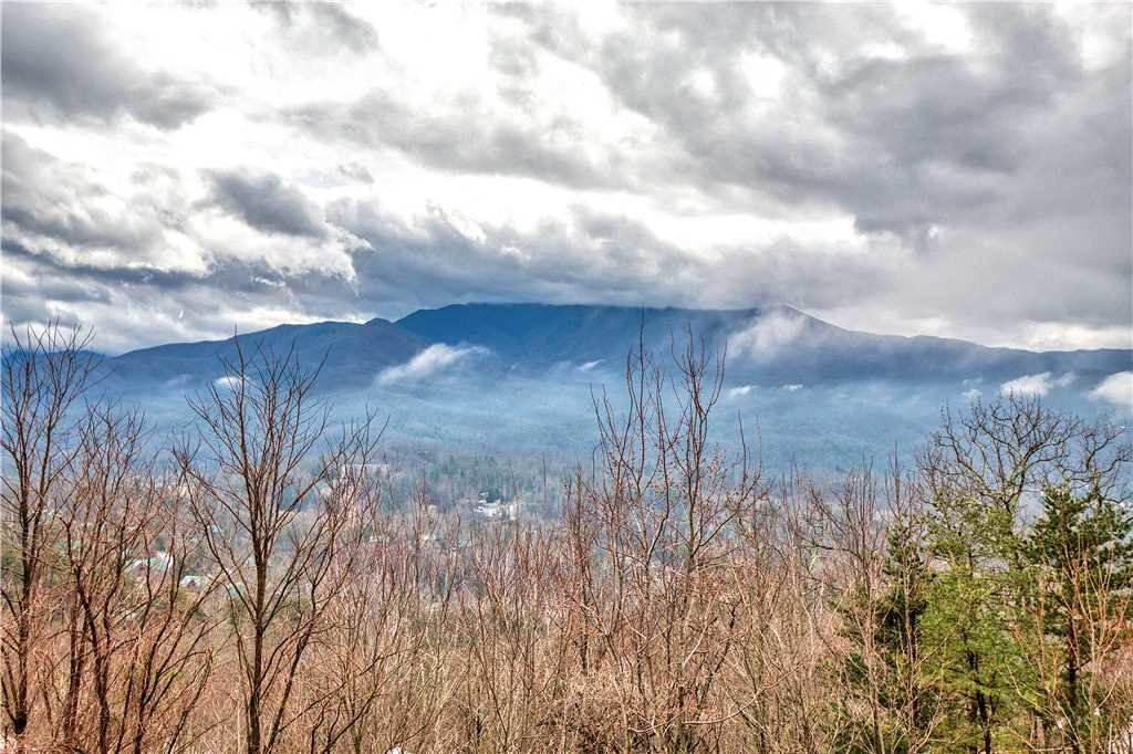 Photo of a Gatlinburg Cabin named Leconte View 2 - This is the second photo in the set.