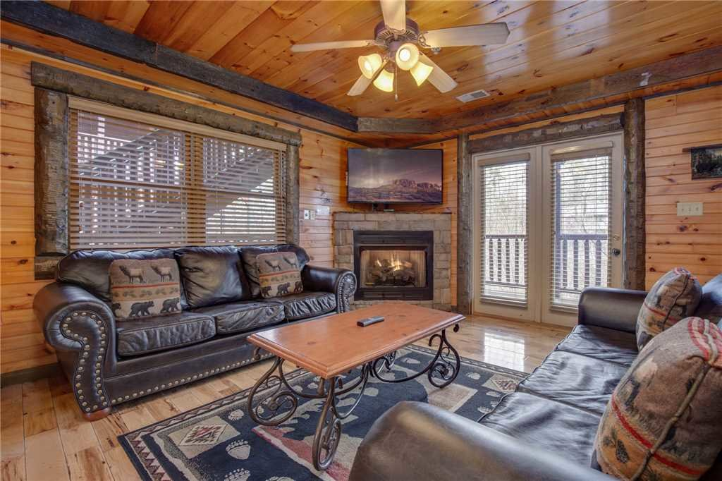 Photo of a Gatlinburg Cabin named Pine Tree Lodge - This is the first photo in the set.