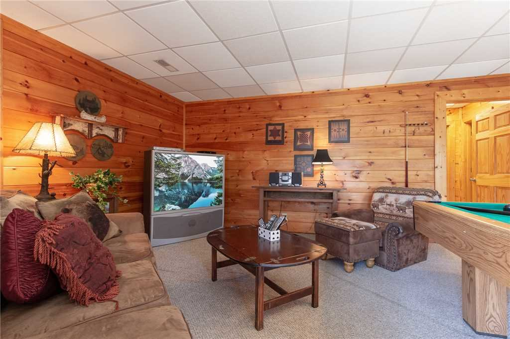 Photo of a Gatlinburg Cabin named Mountain High View - This is the tenth photo in the set.