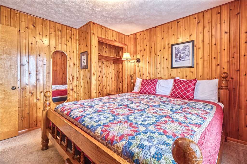 Photo of a Gatlinburg Cabin named Leconte View 2 - This is the fourteenth photo in the set.