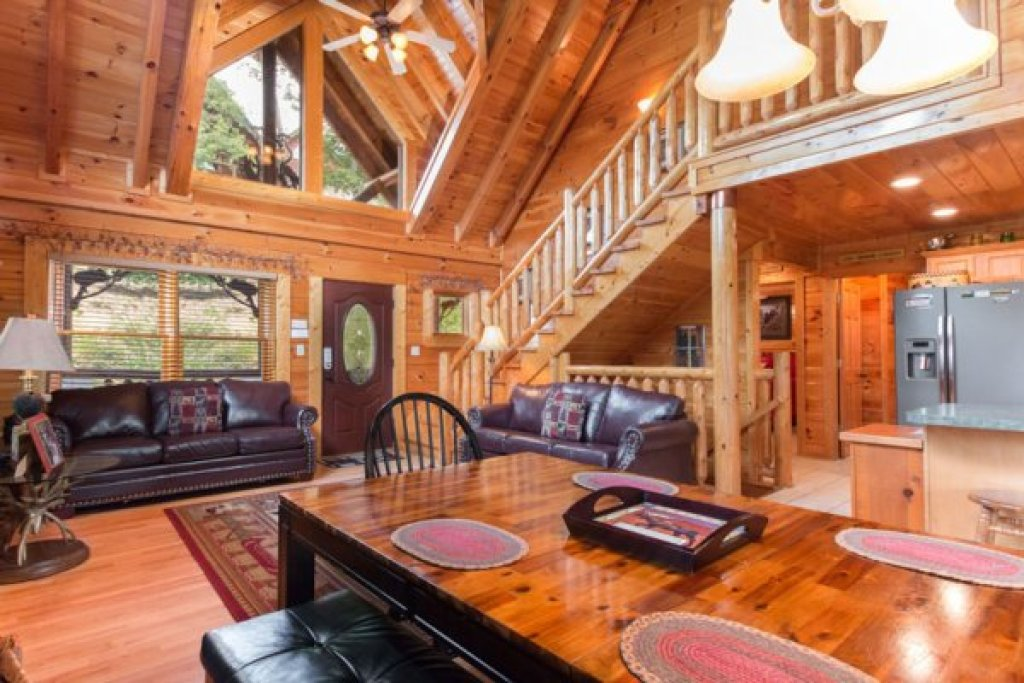 Photo of a Sevierville Cabin named Bearfoot Lodge - This is the sixth photo in the set.
