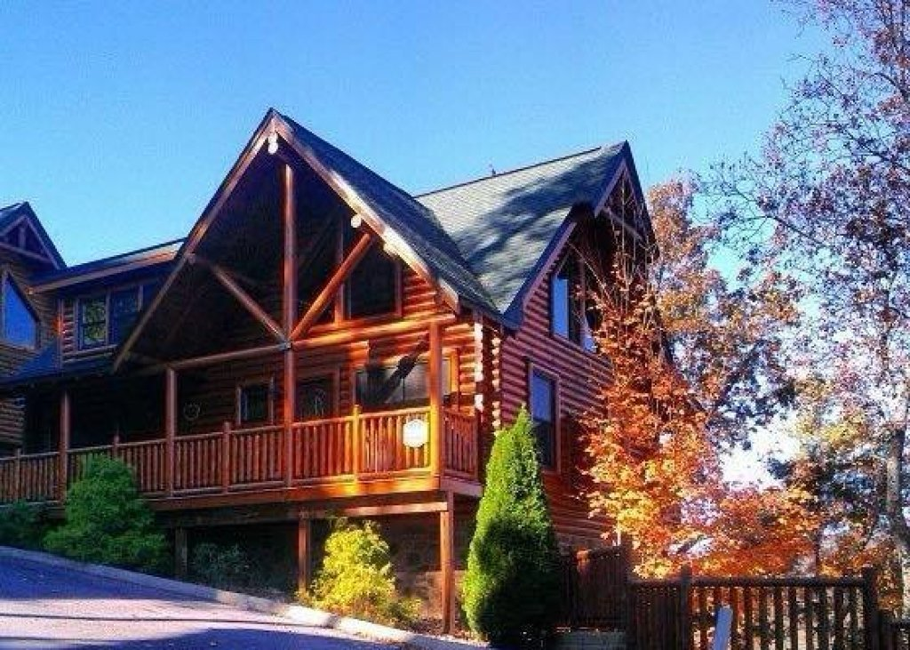 Photo of a Sevierville Cabin named Bearfoot Lodge - This is the thirty-fifth photo in the set.