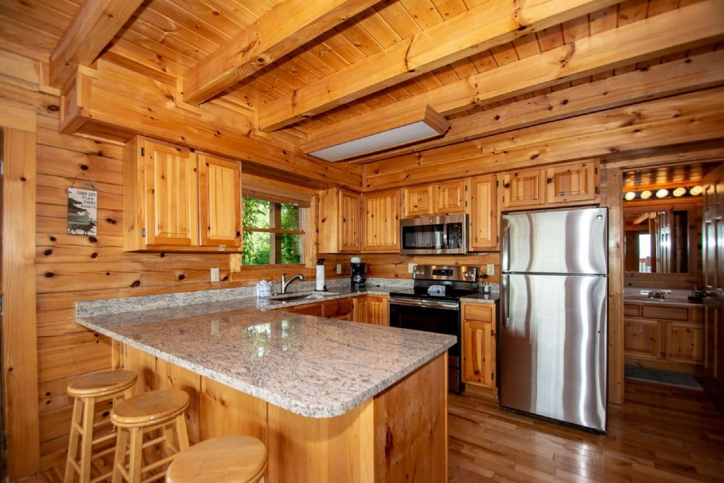 Photo of a Pigeon Forge Cabin named Falcon Ridge - This is the eighth photo in the set.