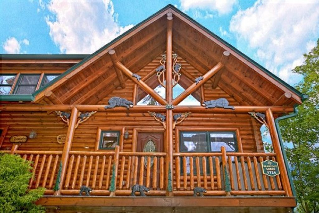 Photo of a Sevierville Cabin named Bearfoot Lodge - This is the thirty-fourth photo in the set.
