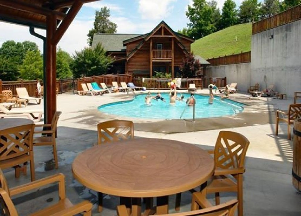Photo of a Sevierville Cabin named Bearfoot Lodge - This is the thirty-ninth photo in the set.