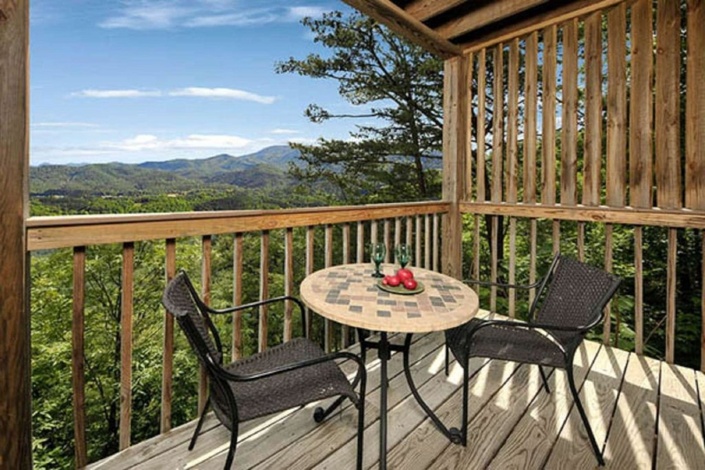 Photo of a Pigeon Forge Cabin named Sky's The Limit - This is the nineteenth photo in the set.
