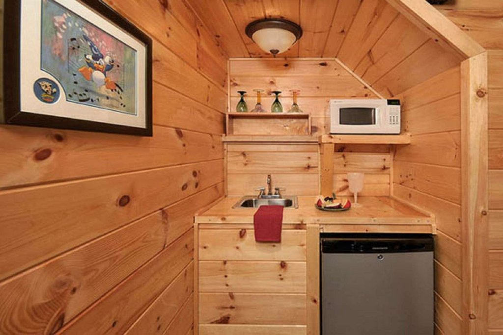 Photo of a Pigeon Forge Cabin named Sky's The Limit - This is the eighth photo in the set.