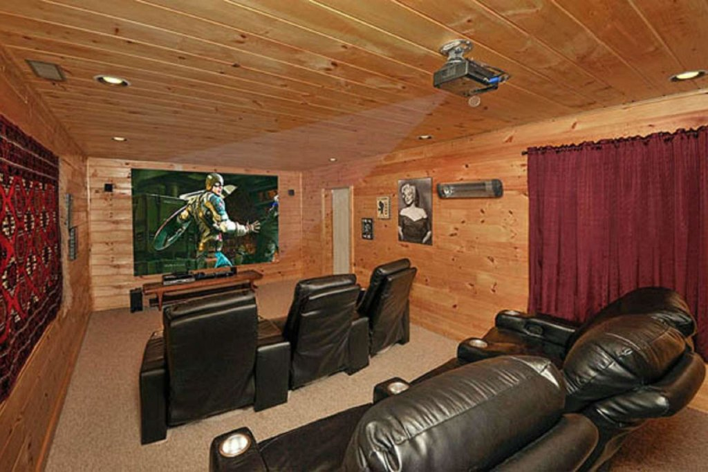 Photo of a Pigeon Forge Cabin named Sky's The Limit - This is the seventh photo in the set.