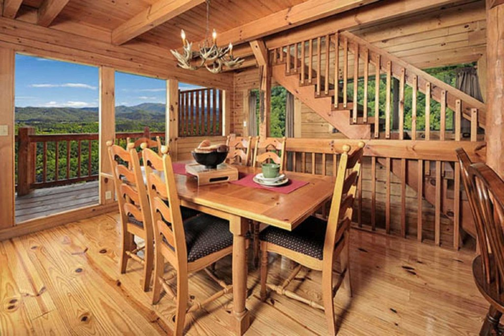 Photo of a Pigeon Forge Cabin named Sky's The Limit - This is the eleventh photo in the set.