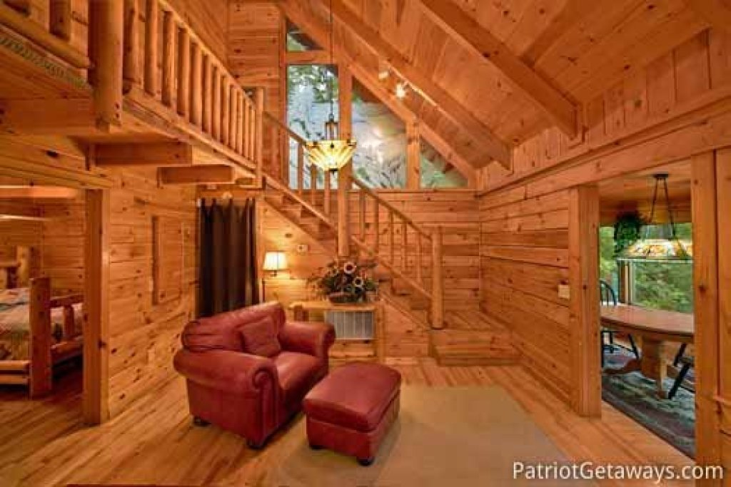 Photo of a Gatlinburg Cabin named Black Bear Magic - This is the fifth photo in the set.
