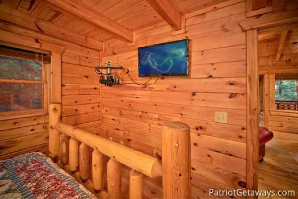 Photo of a Gatlinburg Cabin named Black Bear Magic - This is the thirteenth photo in the set.