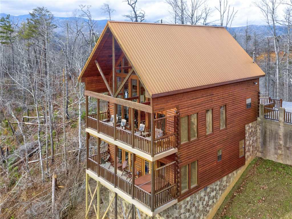 Photo of a Gatlinburg Cabin named Bear's Eye View - This is the thirty-ninth photo in the set.